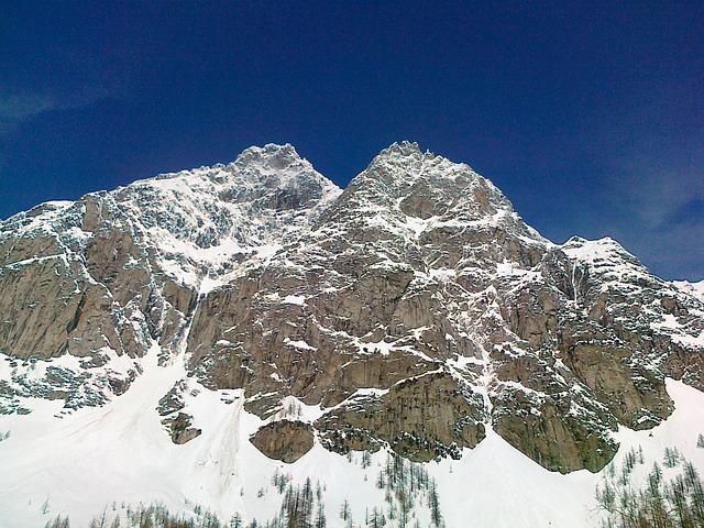 mountain-634114_640